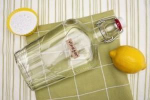Aceto bianco: tutti gli usi per risparmiare