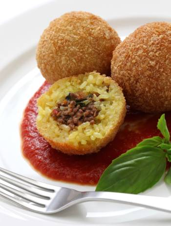 arancini-di-riso-fritti-al-forno-ripieni-siciliani-riciclare-avanzi-cucina