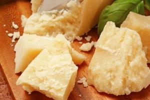 Come prolungare la scadenza dei formaggi per risparmiare