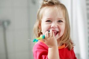 Come risparmiare acqua lavandosi i denti