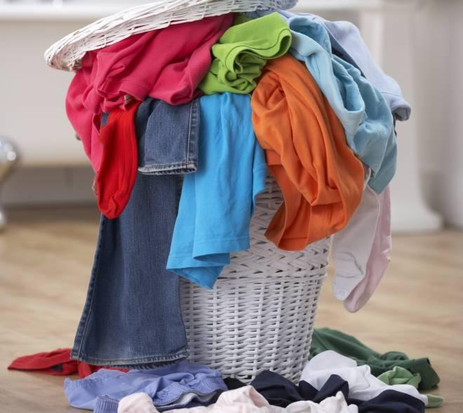 togliere-tutte-le-macchie-prelavaggio-lavatrice-risparmiare-acqua
