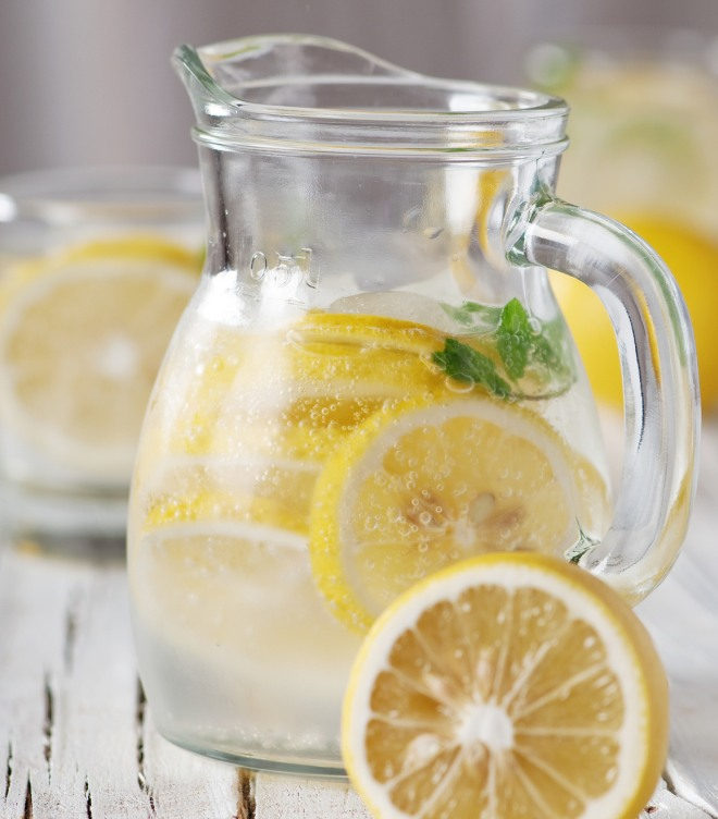 limonata-fatta-in-casa-fredda-limone-mango-anguria-lime-ciliegie-fragole