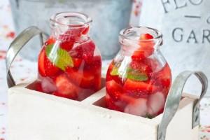 limonata-fatta-in-casa-fredda-limone-mango-anguria-lime-fragole-cetriolo-lamponi
