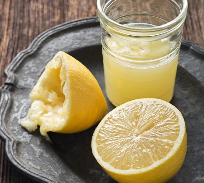 limonata-fatta-in-casa-sciroppo-limoni-concentrato-freddo