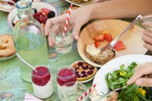 Risparmiare in vacanza: dove mangiare