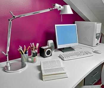 risparmiare-sulla-bolletta-della-luce-energia-arrivare-a-fine-mese-illuminazione