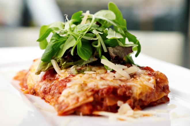 lasagne-pane-carasau-vegetariane-facili-economiche-veloci-risparmiare-cucina-degli-avanzi