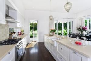 Come tenere pulita la cucina se hai ospiti a cena