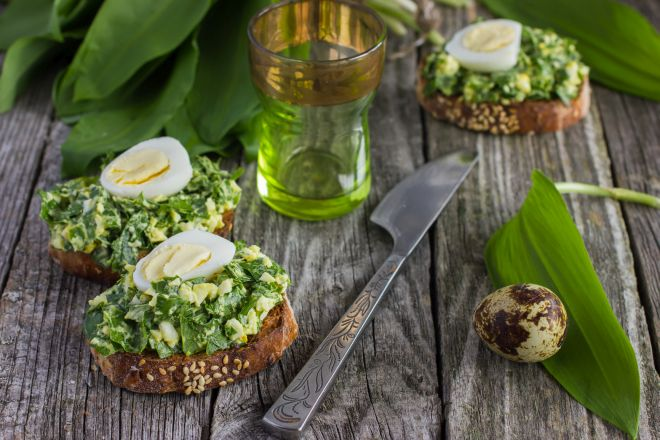 mangiare-con-meno-di-5-euro-insalata-di-uova-sode-prezzemolo
