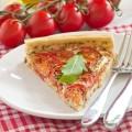 ricette-risparmio-risparmiare-torta-salata-pomodorini-pancetta-mozzarella