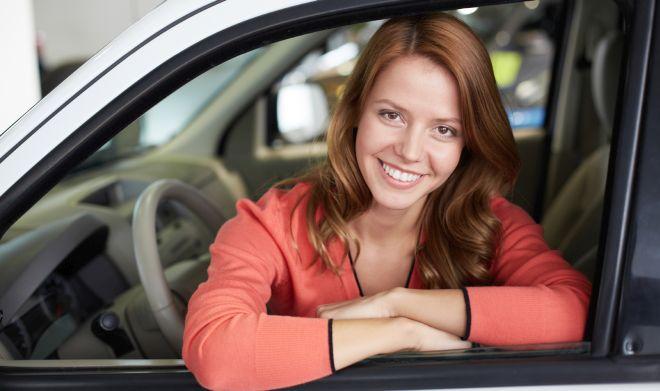 come-pulire-la-macchina-automobile-con-prodotti-naturali-risparmiare