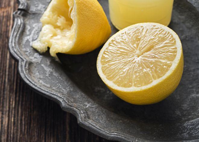 maschera-per-il-viso-fai-da-te-al-limone