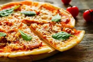 fare-la-pizza-con-piadina-velocissima-risparmiare