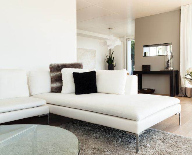 Come pulire i divani in pelle con metodi naturali - Pulire divano pelle sapone marsiglia ...