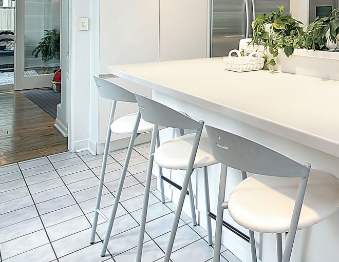 Pulire i pavimenti del bagno design casa creativa e - Come pulire le fughe del bagno ...