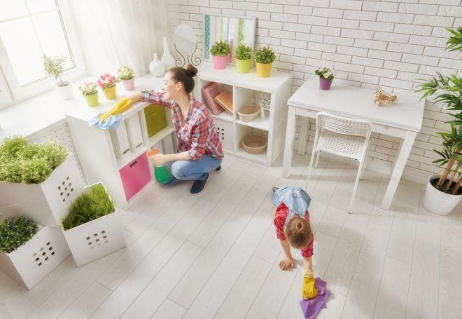 Come togliere la polvere dai mobili spray con aceto fai for Soprammobili fai da te