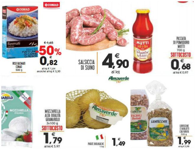 fare-la-spesa-con-prodotti-in-offerta-volantini-supermercato