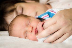 Maternità lavoratrici autonome: negozio online e congedo parentale