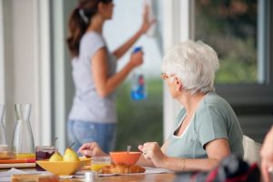 Badante per anziani, le agevolazioni fiscali
