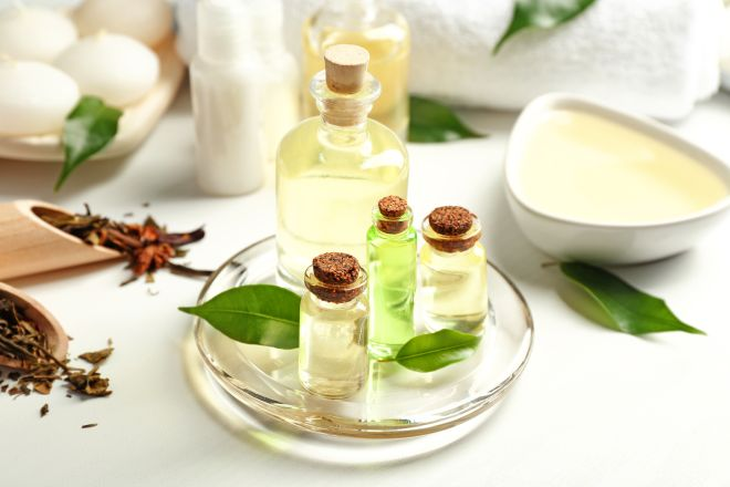 rimedi-naturali-tea-tree-oil-melaleuca