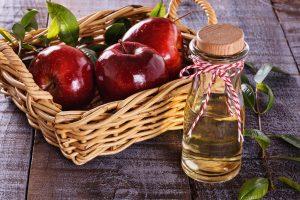 Come fare l'aceto di mele e scarti di frutta