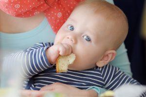 Come pagare la babysitter con il libretto famiglia (nuovi voucher)