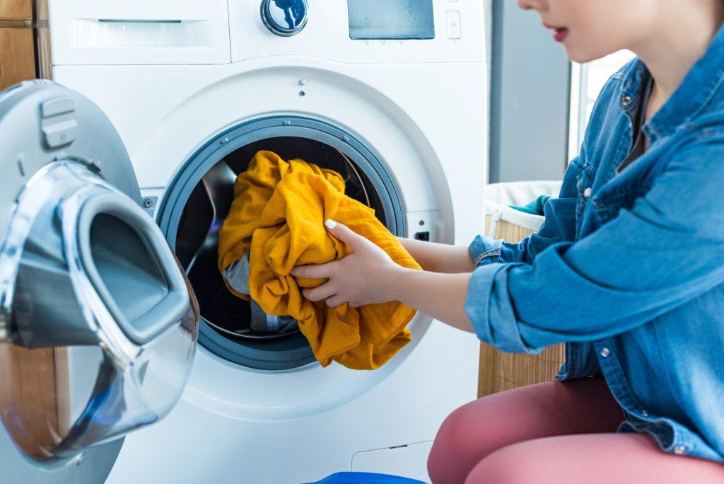 Aceto in lavatrice: tutti i suoi benefici (naturali)