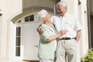 Aiutare gli anziani a risparmiare online
